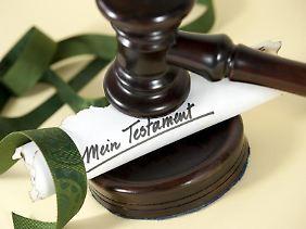 Wer sein Testament macht, muss die gesetzlich vorgeschriebene Form beachten.