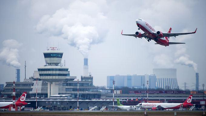 Flüge von Berlin-Tegel (hier im Bild) nach Abu Dhabi könnten bald der Vergangenheit angehören.