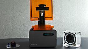 Der Drucker kann kleine Schmuckmodelle oder größere Flächen für Lautsprecherboxen ausdrucken.