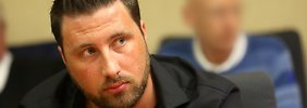 Prozess um Fußball-Wettskandal: Ex-Profi Schnitzler schweigt vor Gericht