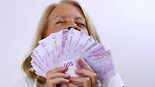 Wer genug Kapital hat und keine allzu große Extra-Rente braucht, kann so anlegen, dass das Geld nie ausgeht.
