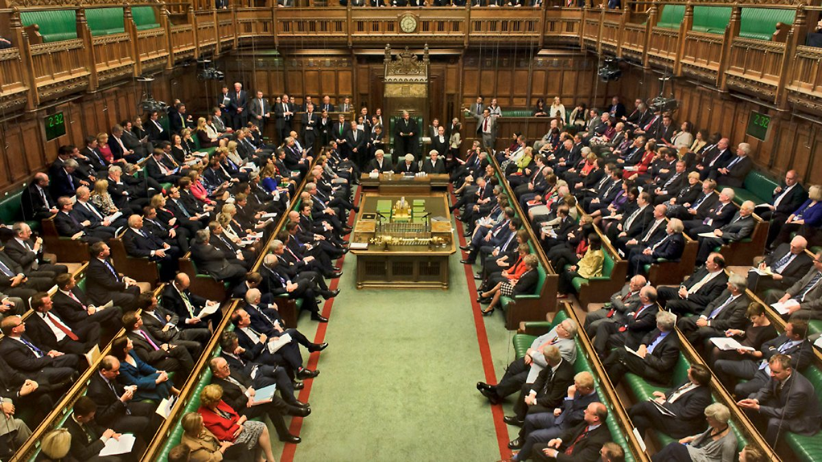 Briten wählen neues Unterhaus: Kleine Parteien bringen UK ...