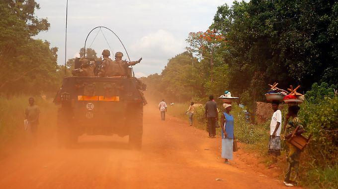 Französische Soldaten auf Patrouille in der Zentralafrikanischen Republik.