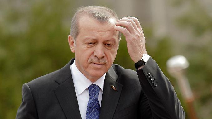 Als Präsident verfügt Erdogan über eng begrenzte Machtbefugnisse. Das würde er gern ändern. Fraglich ist, ob es gelingt.