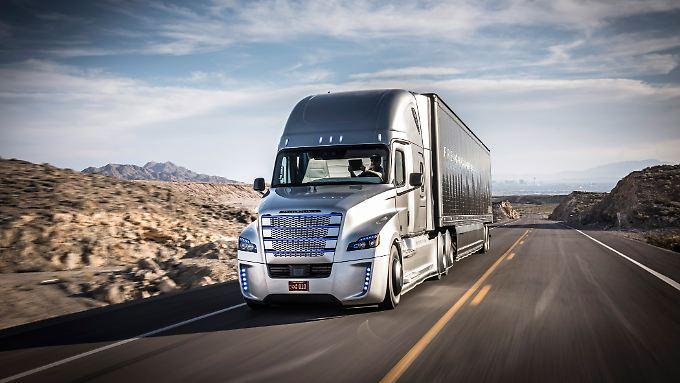 Im US-Bundesstaat Nevada fahren jetzt zwei Mercedes-Trucks völlig autonom.