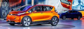 Der Chevrolet Bolt könnte in Deutschland ab 2018 unter dem Opel-Logo rollen und mindestens 300 Kilometer mit einer Batteriefüllung zurücklegen.