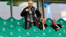 Der Volkswagen-Chef in der Volkswagen-Arena bei seiner Volkswagen-Mannschaft: Martin Winterkorn.
