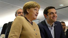 Lösungssuche im Schuldenstreit: Tsipras trifft Merkel und Hollande in Riga