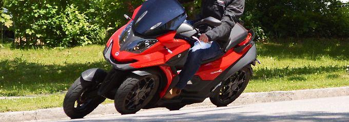 Vorne Auto hinten Motorrad: Einziger Vierrad-Roller der Welt