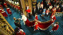 Griechische Drohung: Queen Elizabeth kündigt EU-Referendum an