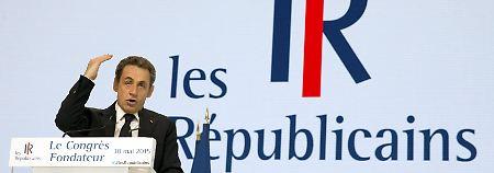 Merkel gratuliert per Videobotschaft: Sarkozy hält Brandrede - UMP umbenannt