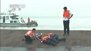 Havarie auf dem Jangtse-Fluss: Helfer suchen nach Überlebenden im Schiffsrumpf