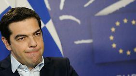 Schulden im Nacken: Tsipras kann Wahlversprechen nicht einhalten