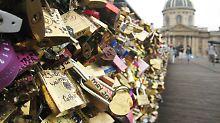 Mit Sicherheit verliebt: Liebesschlösser: Illegaler Romantik-Zauber?