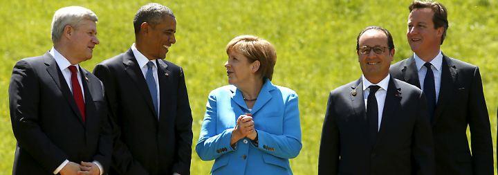 Auch David Cameron, britischer Regierungschef und rechts im Bild, hat den Weg nach Elmau gefunden.
