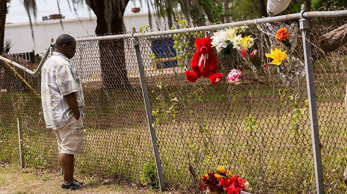Von fünf Kugeln wurde der 50-jährige Walter Scott in den Rücken getroffen.