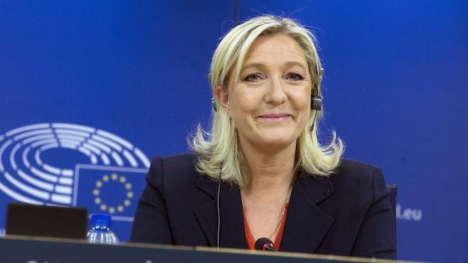 Marine Le Pen hat über ein Jahr gebraucht, um eine Fraktion zu bilden.