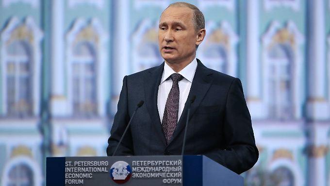 Wladimir Putin warnt den Westen vor einer Einmischung in russische Interessen.