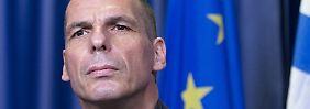 Verwirrung um angebliche Äußerungen von Finanzminister Varoufakis zu Verkehrskapitalkontrollen.