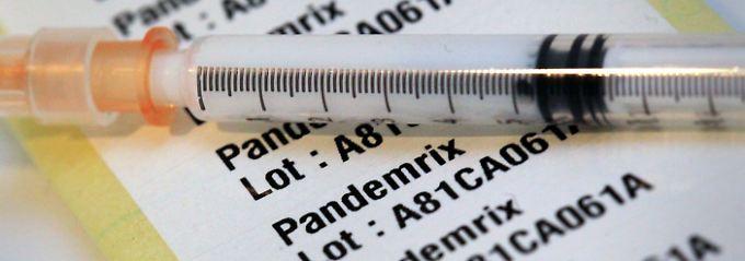Einige Experten fürchten, dass der Impfstoff Pandemrix in seltenen Fällen Narkolepsie auslösen kann