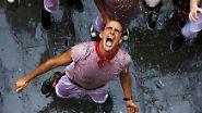 Umstrittene Stierhatz in Spanien: Pamplona lässt wieder die Bullen los