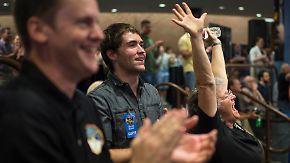 """Jubel bei der Nasa: """"New Horizons"""" bestätigt Vorbeiflug an Pluto"""