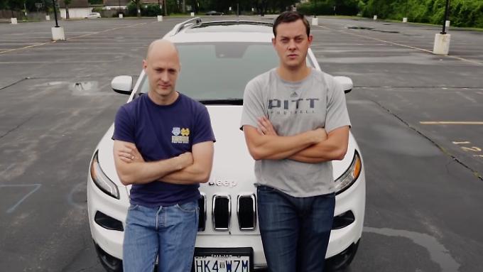 Der Jeep ist nicht das erste Fahrzeug, das Miller und Valasek hacken, aber das erste das sie komplett aus dem Internet fernsteuern können.