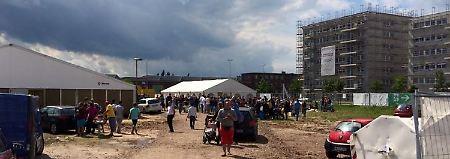 Wenn Engagement ins Chaos führt: In Bremen kriegen Flüchtlinge Hilfe ohne Ende