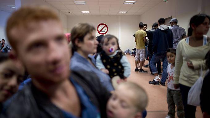 Flüchtlinge in der überfüllten Erstaufnahmeeinrichtung in Berlin.