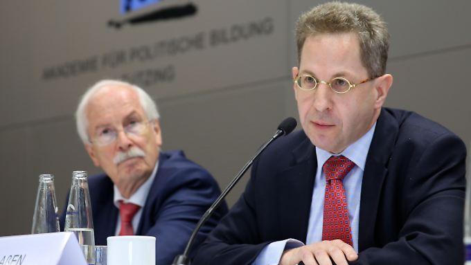Harald Range (l.) ist weg, muss nun auch der Verfassungsschutzchef Maaßen (r.) gehen?