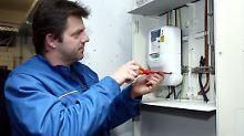 Bis 100 Euro Einbaukosten: Das können die intelligenten Stromzähler