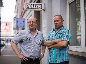 Peter Cox, GdP-Sprecher und Jürgen Kahl, stellvertretender Vorsitzender der Kreisgruppe Duisburg.