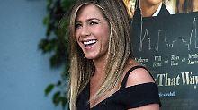 Funkelnde Premiere: Jennifer Aniston zeigt ihren Ehering
