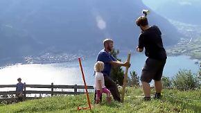 Den Traumausblick gibt's gratis: Freiwillige ackern unbezahlt auf Schweizer Almen