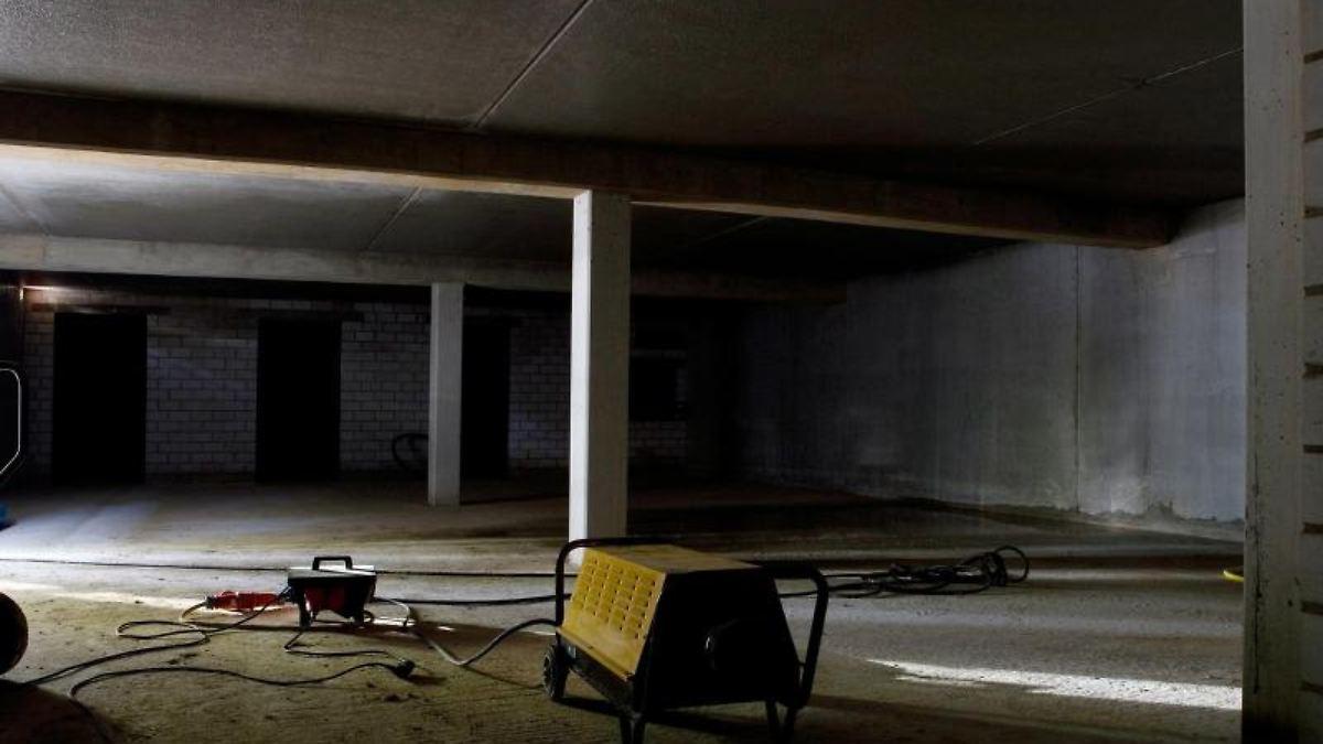 l ften kann sogar schaden so wird der feuchte keller trocken n. Black Bedroom Furniture Sets. Home Design Ideas