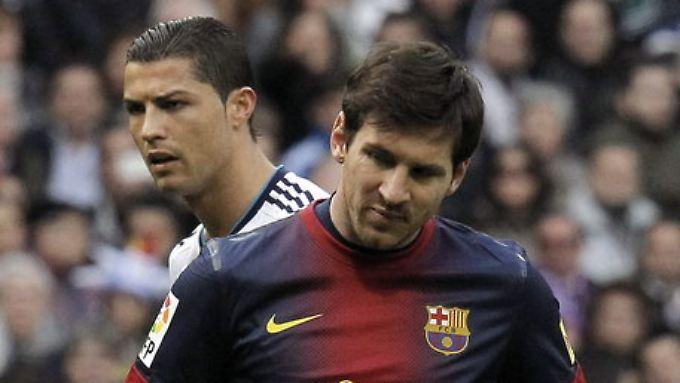 Ein Streit darum, ob Lionel Messi vom FC Barcelona oder Real Madrids Cristiano Ronaldo der beste Spieler ist, ist in Indien fatal eskaliert.i
