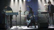 """Surreale Musiker-Komödie: """"Frank"""" - ohne Michael Fassbenders Kopf"""