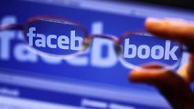 Fremdenfeindlichkeit im Netz: Facebook wehrt sich gegen Vorwürfe