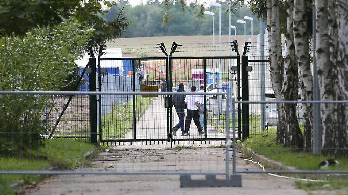 Alles soll schneller werden: Aufnahme, Verteilung und Abschiebung von Asylbewerbern.