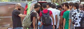 Warnung des Verfassungsschutzes: Salafisten werben gezielt Flüchtlinge an