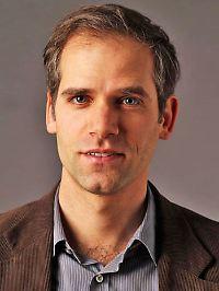 Giulio Pagonis ist Juniorprofessor am Institut für Deutsch als Fremdsprachenphilologie der Universität Heidelberg.