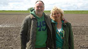 In diesem Jahr laden Anne und Reimer Thiel-Peters auf ihrem Hof zum Kohlanschnitt ein.