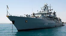 Befände sich die Fregatte Schleswig-Holstein im Mittelmeerraum, könnte sie künftig dem Nato-Kommando unterstellt werden.