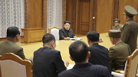 Kim und seine Vertrauten.