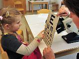 """""""Mehr Spielplatz, weniger Handy"""": Kurzsichtigkeit bei jungen Leuten nimmt zu"""