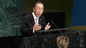 UN-Generalsekretär Ban Ki Moon erinnert in seiner Rede daran, wie wichtig die Zusammenarbeit aller Staaten ist.