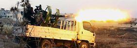 Die Al-Nusra-Front veröffentlicht auf Twitter ein Bild, das sie beim Kampf gegen Assad-Truppen in Aleppo zeigt.