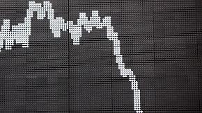 Was trübt die Stimmung?: Dax sackt Richtung 9000-Punkte-Marke