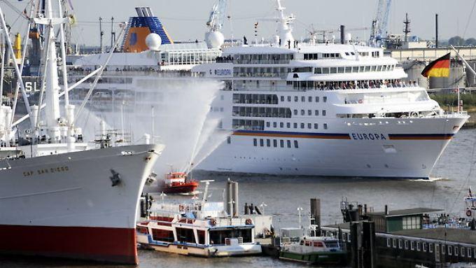 Die Deutschen wollen immer mehr Schiffsreisen machen.