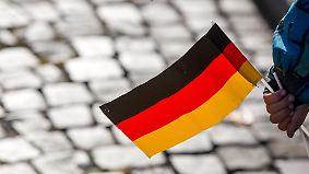 25 Jahre Wiedervereinigung: Wie sehen die Deutschen die Einheit?